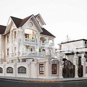 Mặt tiền rộng rãi của căn biệt thự