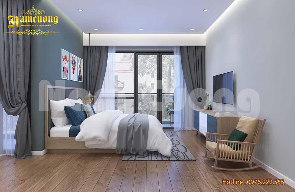 Phòng ngủ được bố trí gam màu trắng tinh khôi